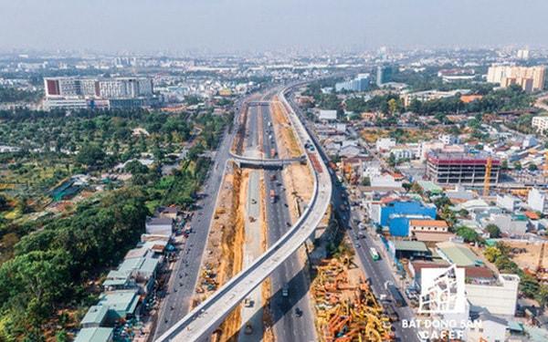Cuộc đua bất động sản Đông - Tây: Hai cực nóng của Sài Gòn - ảnh 1